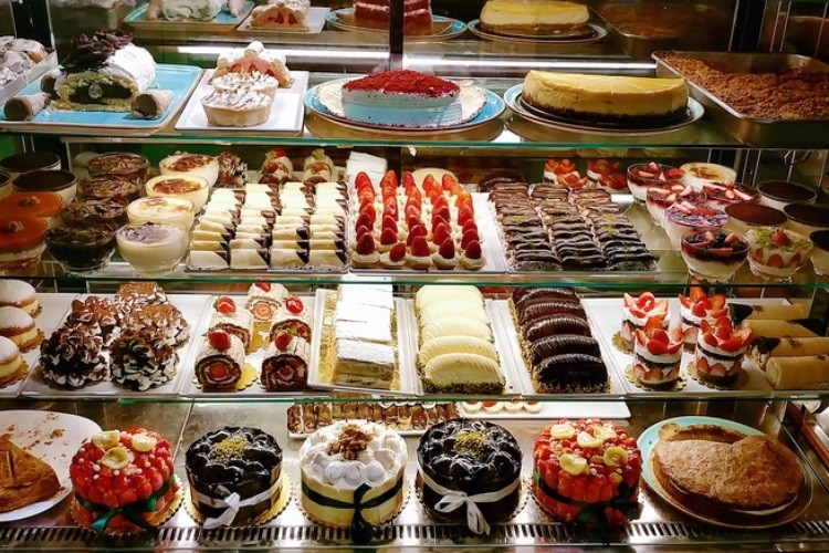 Various Kinds Of Cakes That Exist Throughout The World.
